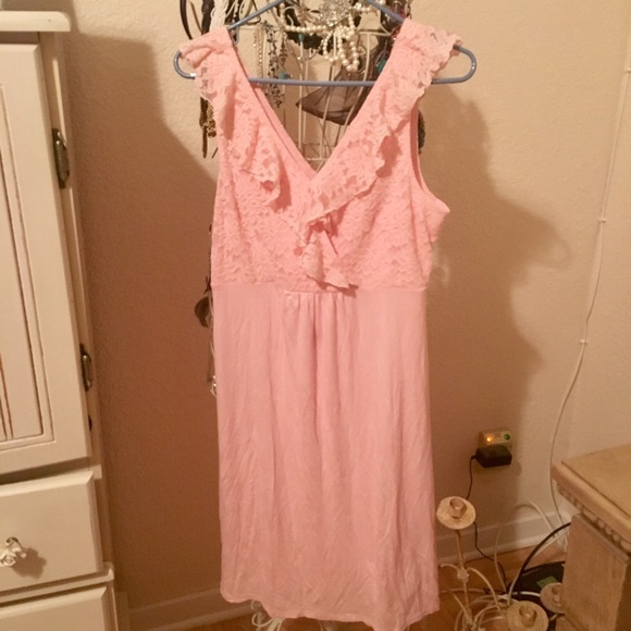 20786ecdbc2 Jessica Simpson Other - Jessica Simpson Ruffled Maternity Nightgown